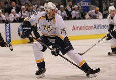 DALLAS, TX - FEBRUARY 19: Hal Gill #75 of the Nashville Predators skates against the Dallas Stars at American Airlines Center on February 19, 2012 in Dallas, Texas. (Photo by Ronald Martinez/Getty Images)