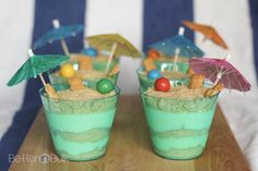 Sand Pudding Cups - a delicious and easy summer time treat with vanilla Oreos and vanilla pudding ....and a presentation kids will love! #recipe