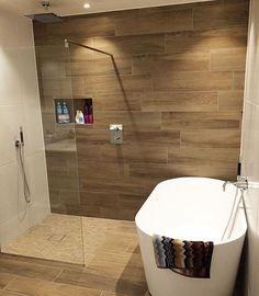 #mulpix Hur snyggt är detta badrum?? Tycker det är magiskt, så effektfullt med den brun/beiga väggen ✨ @tranebarvegen  #bathroom  #badrum  #badrumsinspo  #bathroominspo  #interior123  #homeinterior  #boligpluss  #dagensinterior  #inspotoyourhome