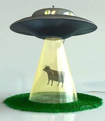 Want one!!!!       Alien Abduction Lamp