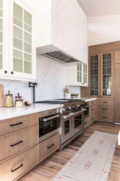 Project Reveal: Summit Creek KitchenBECKI OWENS Diy Kitchen, Kitchen Interior, Home Interior Design, Kitchen Design, Space Kitchen, Kitchen With Wood Cabinets, Light Wood Kitchens, Eclectic Kitchen, Oak Cabinets