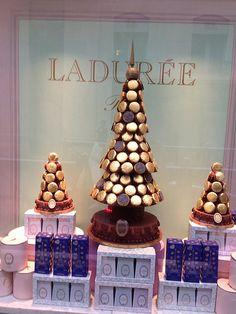 Ladurée Creates Macaron Trees For Christmas,Ladurée at Christmas, Paris Noel Christmas, Christmas Cookies, Cupcakes, Laduree Macaroons, Laduree Paris, Macaroon Tower, Macaron Recipe, Macaron Cake, Xmas Food