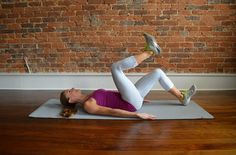 Post-Baby Stretch & Strength Routine   Pair 1, Exercise 1: Tap Backs