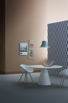 Icon round meeting table in white. Shown with Gliss meeting chairs / ORDER NOW FROM SPACEIST