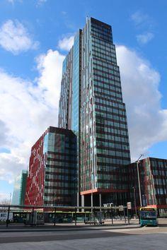 Carlton toren en Busstation Almere Stad.