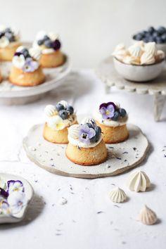 ... lemon curd, blueberry and almond tea cakes ... #recipes