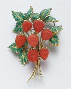 """Gold, Green Enamel and Carved Coral Strawberry Brooch -  Ap. 21.5 dwt. Ap. 2 1/2 """""""