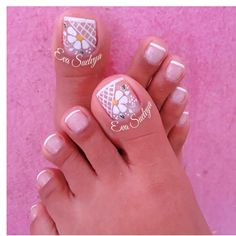 Uñas Pretty Toe Nails, Cute Toe Nails, Cute Nail Art, Pedicure Designs, Pedicure Nail Art, Toe Nail Designs, Feet Nail Design, Toe Nail Color, Summer Toe Nails