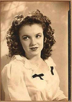*-f* Norma Jeane the days before Marilyn Monroe Marylin Monroe, Joven Marilyn Monroe, Marilyn Monroe Fotos, Young Marilyn Monroe, Vintage Hollywood, Classic Hollywood, Actrices Hollywood, Norma Jeane, Mode Vintage