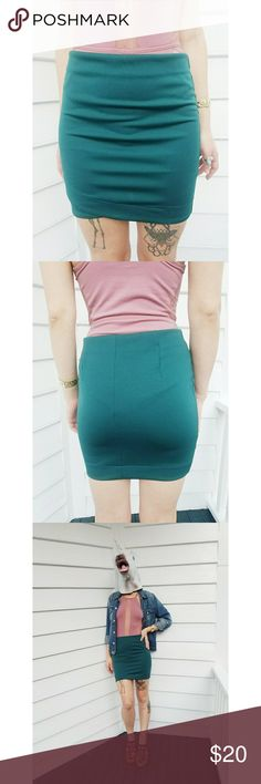 "H&M 8 Teal Green Bodycon Stretch Mini Skirt H&M Size 8 but this brand is notorious for running small. I'm normally a 4. Check the measurements, it is a LITTLE stretchy. really pretty teal green color + cute detail on this classic mini skirt. EUC no stains, rips, or pilling.  Measurements:  Waist: 28"" Hip: 32"" Length: 15"" H&M Skirts Mini"