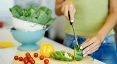 Healthy Eating Plans – three large and two small meals a day. Breakfast, lunch, dinner as main meals in between each still a small snack. Nutrition experts advise you to listen to your individual needs Healthy Cooking, Healthy Recipes, Eating Healthy, Healthy Meals, Easy Recipes, Batch Cooking, Crockpot Recipes, Cooking Tips, Starter Recipes