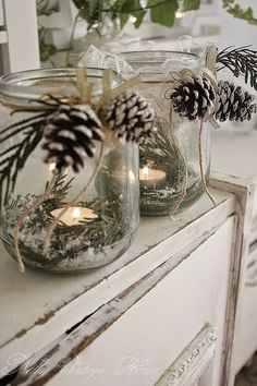 Rustic Christmas Decorations look very cool and cozy. It's a kind of decoration theme which prefer by most of the family for the Christmas decorations. Most of the things used in the Rustic decorations are wood, bark and burlap. Noel Christmas, Country Christmas, Winter Christmas, Christmas Candles, Christmas Centerpieces, Centerpiece Ideas, Jar Centerpieces, Christmas Lights, Christmas Greenery