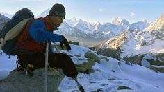 Wounded veteran Charlie Linville summits Mount Everest