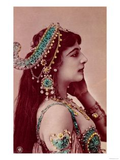 Mata Hari, postcard before 1914.  A Heroin.