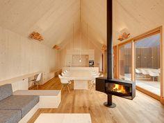 Покраска окон: Kuhnlein Архитектура дизайн деревянного дома