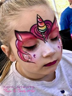 Ideas for a unicorn party for children& birthday: unicorn make-up for girls. Face Painting Unicorn, Girl Face Painting, Face Painting Designs, Painting For Kids, Body Painting, Animal Face Paintings, Animal Faces, Maquillage Halloween, Halloween Makeup