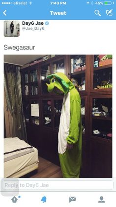 """Ahhh I finally get """"I'm a dinosaur person"""" comment now !!"""