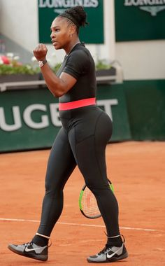 70 Most Controversial Celebrity Outfits Ever - Famous Outfits Serena Williams Tennis, Venus And Serena Williams, Pop Culture Halloween Costume, Halloween Costumes, Fit Black Women, Tennis Players Female, Beautiful Black Girl, Le Tennis, Sexy Ebony
