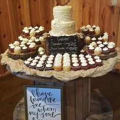 wedding cakes country wedding ideas---ruffle wedding cake with cupcakes, country barn wedding theme Country Wedding Cakes, Country Barn Weddings, Wedding Cake Rustic, Elegant Wedding, Western Wedding Cakes, Country Barns, Wedding Paper, Chic Wedding, Trendy Wedding