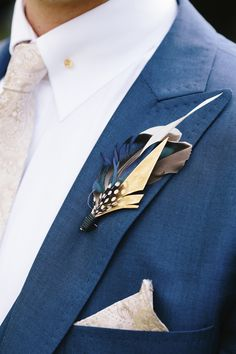 boutonnière corsage button hole groom feather hand made unique alternative fine art wedding photography