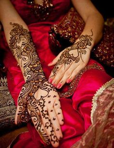 30 Beautiful Bridal Mehndi Design ~ Going to have a henna design done!