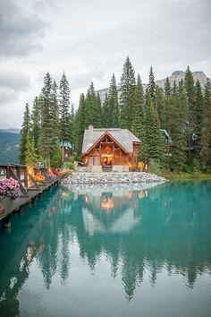 One of our favorite venues. Emerald Lake Lodge. Photo by Jesse Hisco Photography. #mountainwedding #canadianrockiesweddingvenue