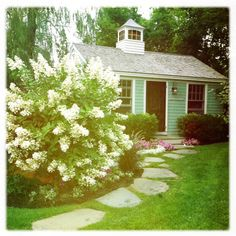 charming little cottage we stayed in while in the sleepy little town of Kennebunkport, Maine