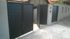 Talbot Auto Gate patented new trackless bi-fold gates are perfect for anyone looking to save on space or looking for a non traditional gate. We have completed a number of Bi-Fold gate projects around Sydney. House Main Gates Design, Front Gate Design, Door Gate Design, House Front Design, Fence Design, Backyard Gates, Driveway Gate, Front Gates, Entry Gates