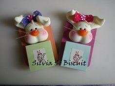 That is my work for Easter in cold porcelain. Este é o meu trabalho para Páscoa em porcelana fria.