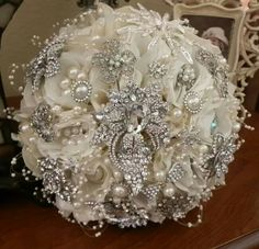 CHIC IVORY Brooch Bouquet - DEPOSIT for a this Beautiful Flower Bridal Brooch Bouquet, Custom Design Brooch Bouquet, Wedding Bouquet by Elegantweddingdecor on Etsy Bridal Flowers, Silk Flowers, Broschen Bouquets, Wedding Brooch Bouquets, Just In Case, Dream Wedding, Bling Wedding, Wedding Vintage, Marie