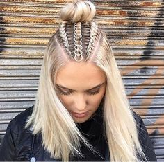 Braids With Hair Rings for Music Festivals Teen Vogue Curly Hair Styles, Natural Hair Styles, Hair Hoops, Cool Braids, Teen Vogue, Braid Styles, Hair Braiding Styles, Hair Trends, Hair Inspiration