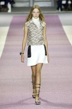 Giambattista Valli Spring 2016 Ready-to-Wear Collection  - ELLE.com