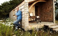 Loving Kevin McCloud's man shed! Great place to retreat from the hussle and bussle of life.
