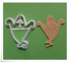 A South African supplier of silicone moulds/mold,biscuit cutters,flower cutters, cake decorating accessories, stencils and veiners Baker Shop, Vintage Baking, Decorative Accessories, Vintage Shops, Biscuits, Cake Decorating, Crack Crackers, Cookies, Biscuit