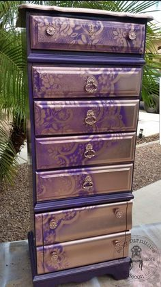 10 Tips for Spray Painting Furniture Spray Paint Furniture, Repainting Furniture, Funky Painted Furniture, Refurbished Furniture, Repurposed Furniture, Unique Furniture, Shabby Chic Furniture, Furniture Chairs, Diy Purple Furniture