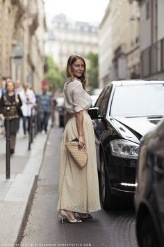 Swedish Street Style. http://carolinesmode.com/stockholmstreetstyle/?p=34  #modestfashion #modestdress #tzniutfashion #classicdress #formaldress #kosherfashion