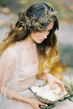 the most romantic bridal session ever Gold Spray Bridal Headpiece Curly Wedding Hair, Bridal Hair Vine, Wedding Headband, Bridal Crown, Wedding Hair Pieces, Wedding Looks, Bridal Looks, Bridal Style, Down Hairstyles