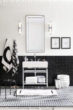 b/w bathroom