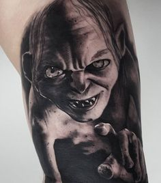 Gollum looking evil in this realistic black and grey piece Cool Tattoos For Guys, Badass Tattoos, Arm Tattoos, Hobbit Tattoo, Tv Tattoo, Fresh Tattoo, Body Modifications, Tattoo Designs, Tattoo Ideas