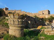 L'actual territori del Marroc ha estat poblat des de temps del Neolític, almenys des de l'any 8000  a. C., testificat per trets de la cultura capsiana, en temps en què Magrib era menys àrida del que és actualment.