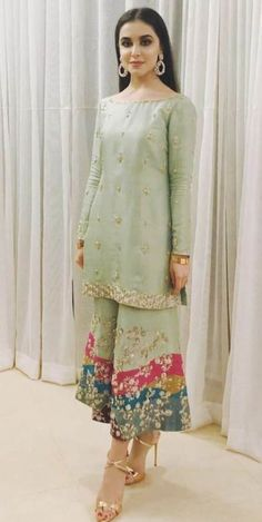 Post wedding dawat outfit inspo ( she's wearing zuria dor - Salvabrani Pakistani Fashion Party Wear, Pakistani Formal Dresses, Pakistani Wedding Outfits, Pakistani Couture, Pakistani Dress Design, Indian Dresses, Indian Outfits, Indian Fashion, Dress Formal