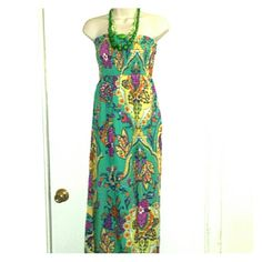 SUMMER'S COMING!  NWT Popcorn Halter Dress Beautiful Paisley Print Popcorn Halter Dress New Jewelry not included size 3XL Dresses