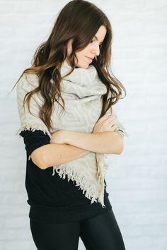 How to tie blanket scarves