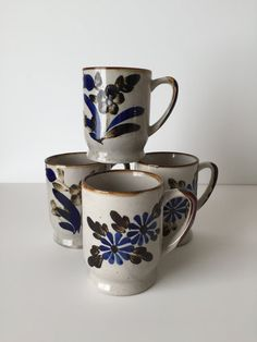 Hey, I found this really awesome Etsy listing at https://www.etsy.com/listing/242571934/vintage-blue-flower-stoneware-mugs