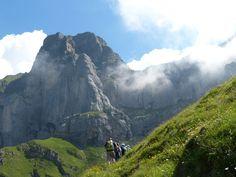 Ausgewählte, wenig begagangene Wanderungen Half Dome, Walks, Switzerland, Wanderlust, Hiking, Tours, Mountains, Sport, Nature