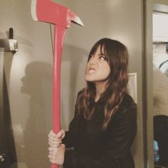 Chloe Bennet has an axe? Henry Simmons, Fitz And Simmons, Chloe Benett, Shield Cast, Iain De Caestecker, Princesa Kate Middleton, Marvels Agents Of Shield, Best Tv Shows, Reaction Pictures