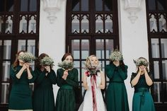 Obsessing over these forest green bridesmaid dresses! So perfect for a winter wedding! Photo by Darya Elfutina