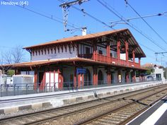 Hendaye - la gare Basque Country, France, Photos Du, House Styles, Train Stations, French