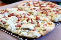 Fotorecept: Špaldová cibuľová focaccia so šunkou Falafel, Hawaiian Pizza, Favorite Recipes, Food, Basket, Essen, Falafels, Meals, Yemek