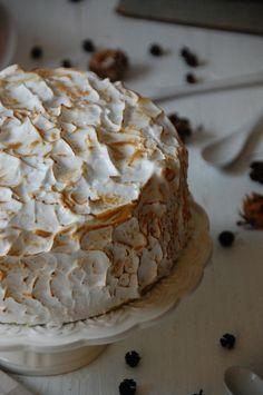 TARTA DE BIZCOCHO DE PLATANO Y MERENGUE LOLETA 6 Chocolate Caliente, Chocolate Blanco, Cake & Co, Kitchenaid, Bananas, Layers, Ice Cream, Desserts, Food